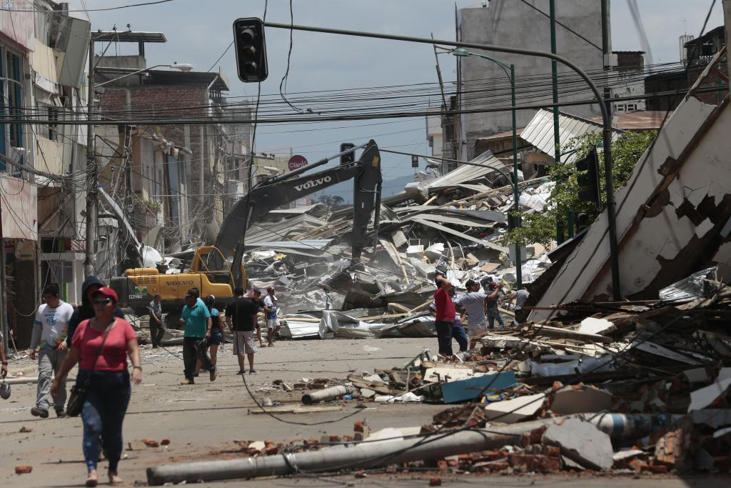 TERREMOTO-ECUADORTIMES-ECUADORNEWS