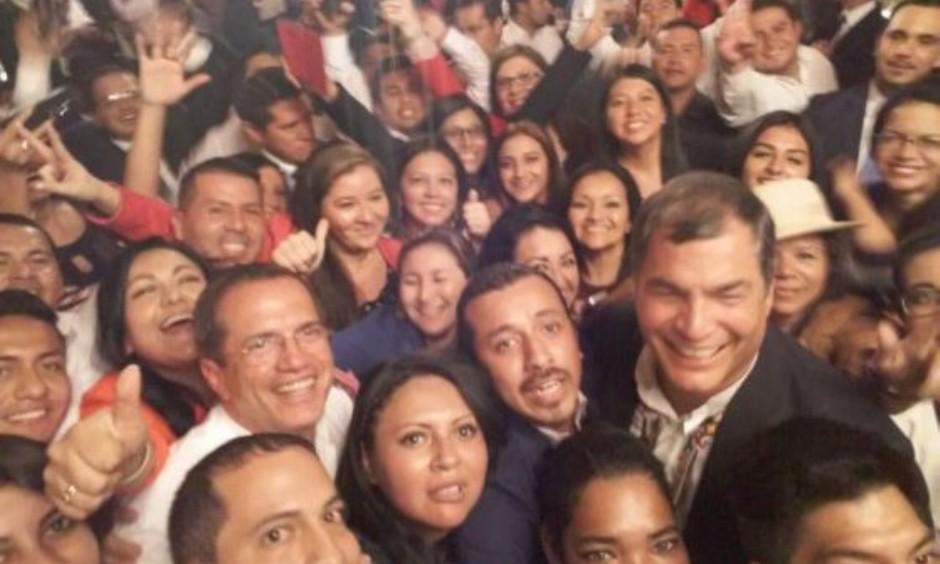 tuiteros-rafael-559x400-1-ECUADORTIMES-ECUADORNEWS