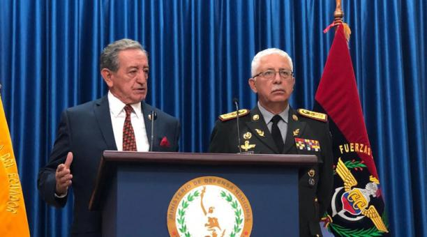 11 soldiers were prosecuted for a death in a control in San Lorenzo; the Armed Forces will give them 'moral' and 'legal' support