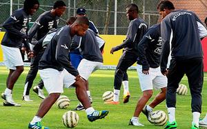 Ecuador trains to face Uruguay