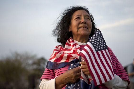 Latino woman born in the U.S.