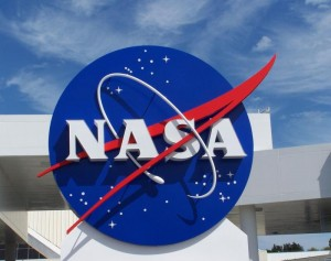 Nasa and the private sector want to exploit the Moon