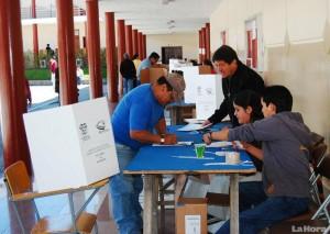 11' 613.270 Ecuadorian attend the polls today