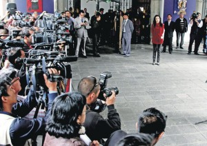 Correa meets with the winners of the elections