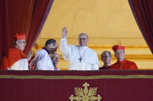 The father Francisco, on the anniversary of his election, requests to pray for him