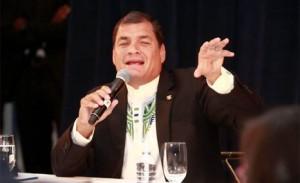 Rafael-correa-senadores