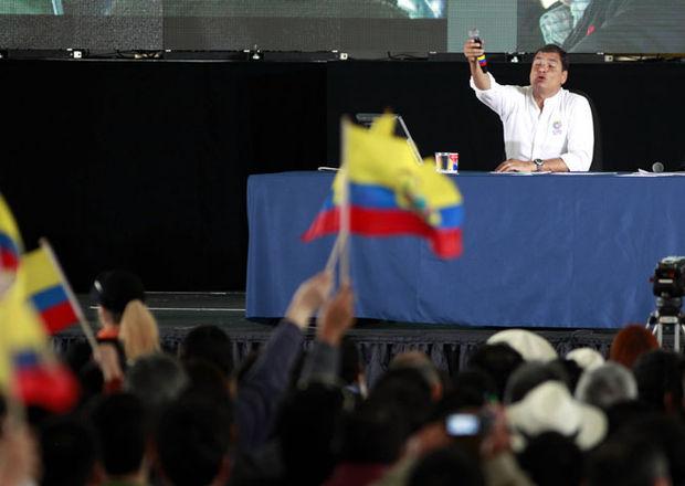 Rafael Correa during his last weekly broadcast in New York.
