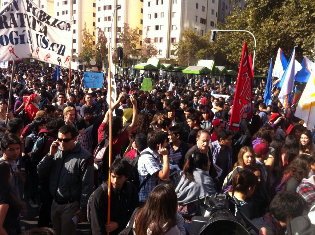 chile-marcha-primera-vez-2014-bachelet