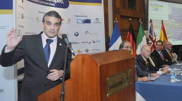 Minister of Foreign Trade Francisco Rivadeneira during the event.