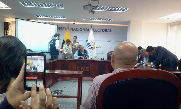 Domingo Paredes during the press conference.