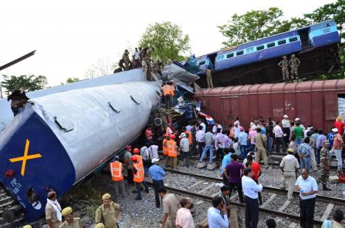 tren-india-choque-40-muertos