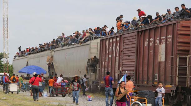 seis-mil-migrantes-bajan-tren-la-bestia