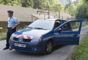 Auto-Vaticano-detenido-droga-Policia-Francia