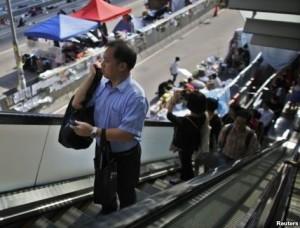 Hong-Kong-trabajadores-vuelven-actividades-retiro-manifestantes