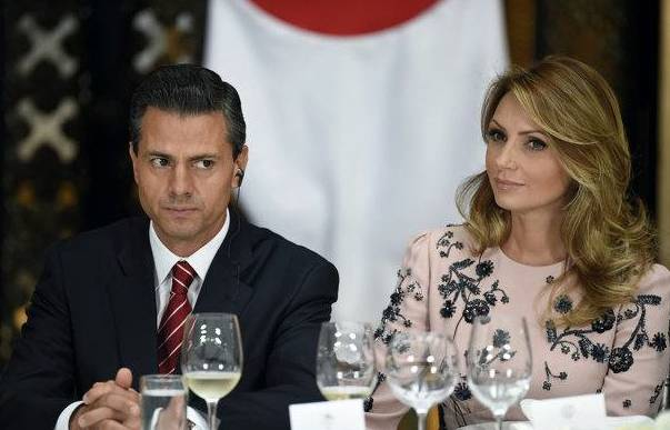 The president of Mexico, Enrique Pena Nieto with the first lady, Angelica Rivera. AFP