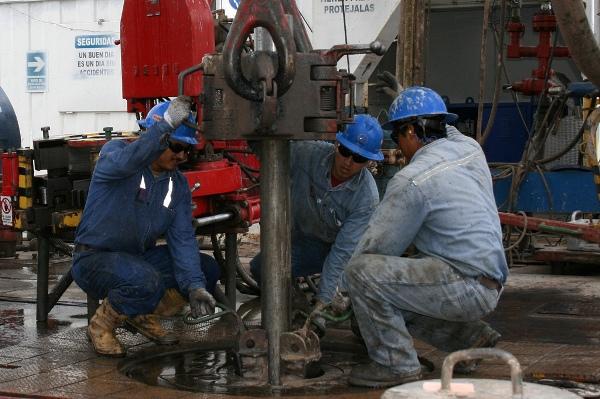 Correa-ingresos-petrolero-presupuesto-estado