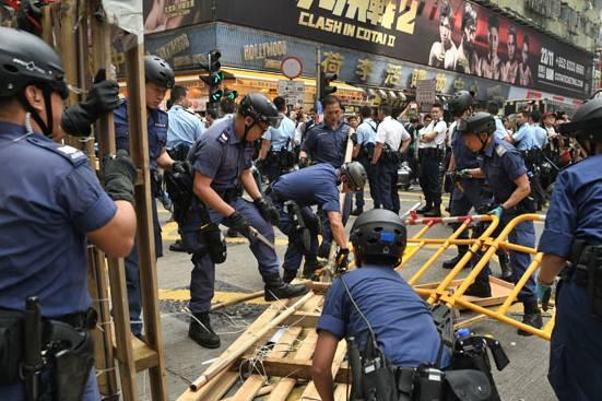 Hong-Kong-manifestantes-prodemocracia-retiro-barricadas