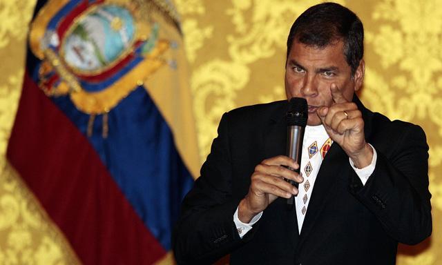 Correa-luchar-redes-sociales-ley-en-la-mano