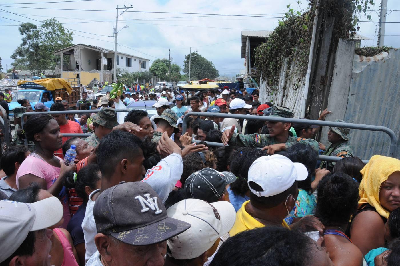 DAMINIFICADOS-ECUADORTIMES-ECUADORNEWS