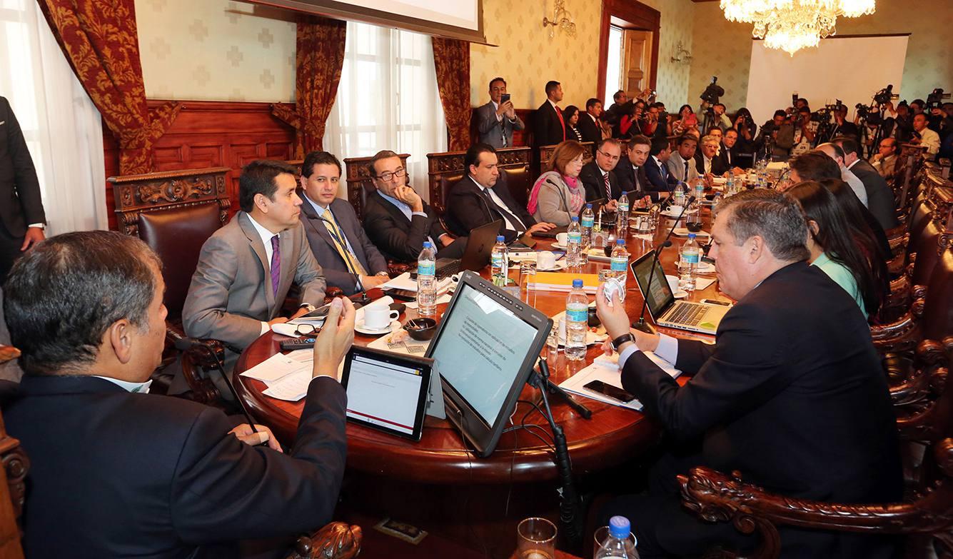 TRASNPORTISTAS-ECUADORTIMES-ECUADORNEWS