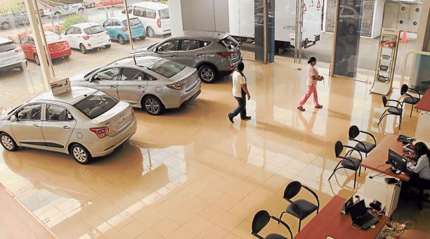 venta carros-ecuadortimes