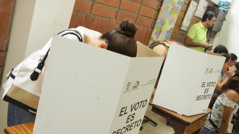 voto-indeciso-ecuadortimes