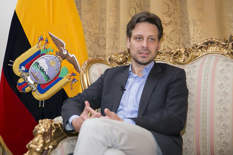 Quito (Ecuador), 09 de junio 2016. El Canciller Guillaume Long ofreció una entrevista a Diario El Telégrafo. Foto: Luis Astudillo C. /Cancillería
