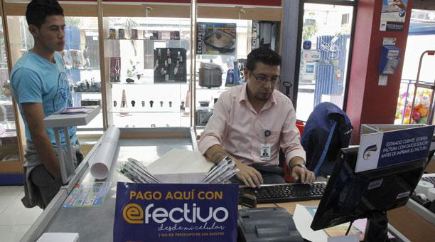 dinero-electronico-ecuadortimes